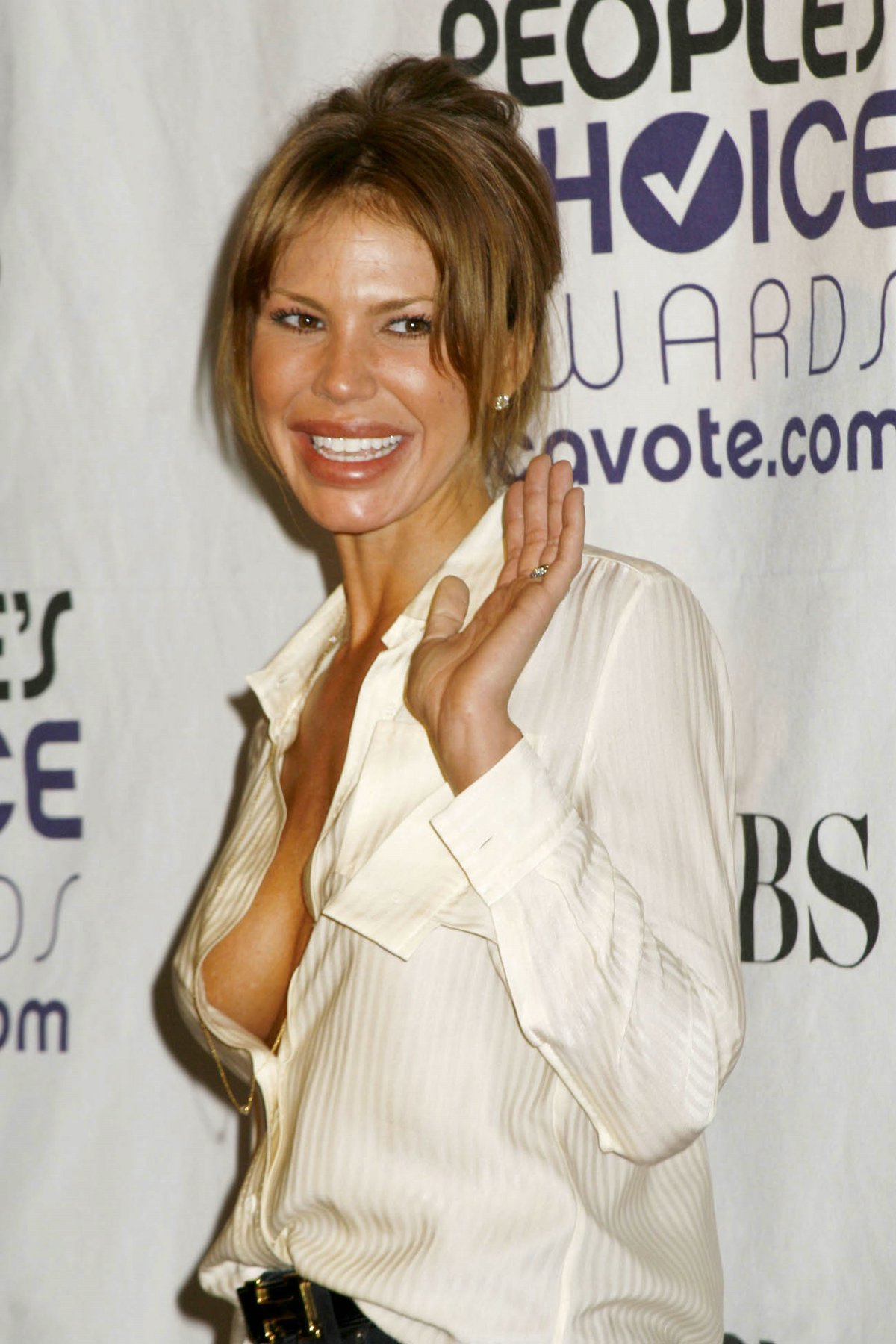 nikki cox viewing picture 2