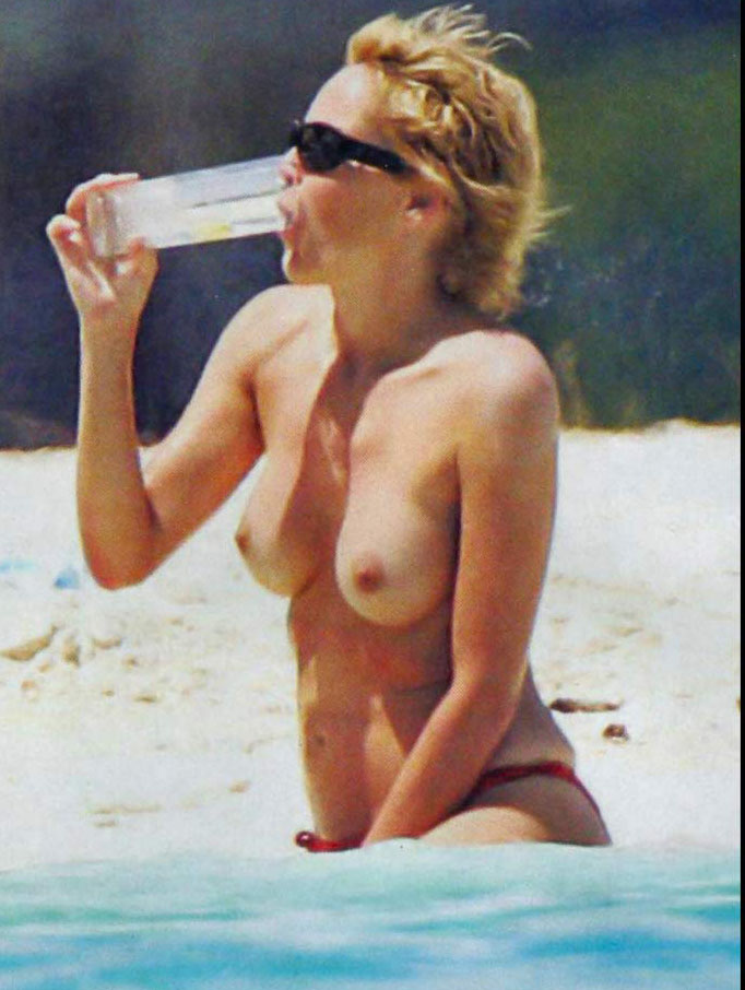Sharon Case Nude Pictures Breakcom