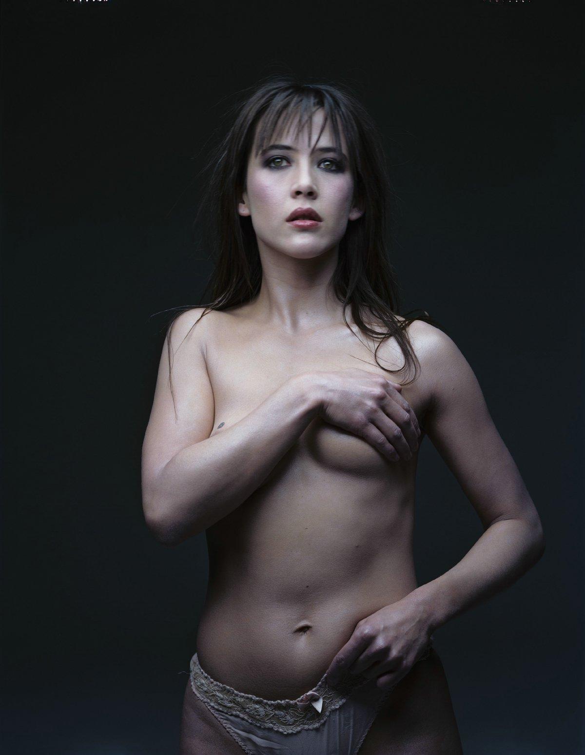 Фото голая софи марсо 21 фотография