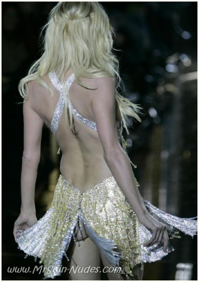 Viewing Paris Hiltons Sex Video 2
