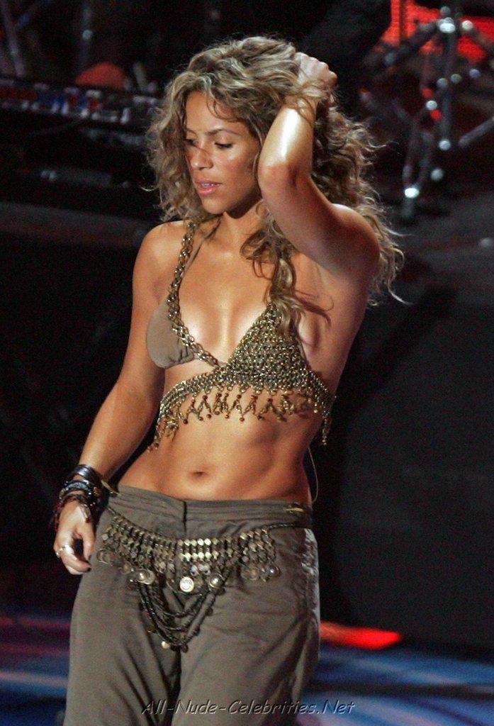 Shakira viewing picture shakira 13 jpg