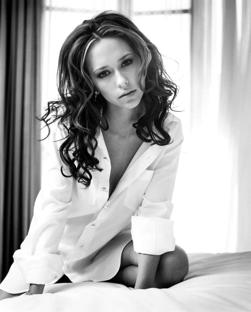 jennifer love hewitt extra hot 06 What do you think about this rumored sex tape with Adnan Ghalib?
