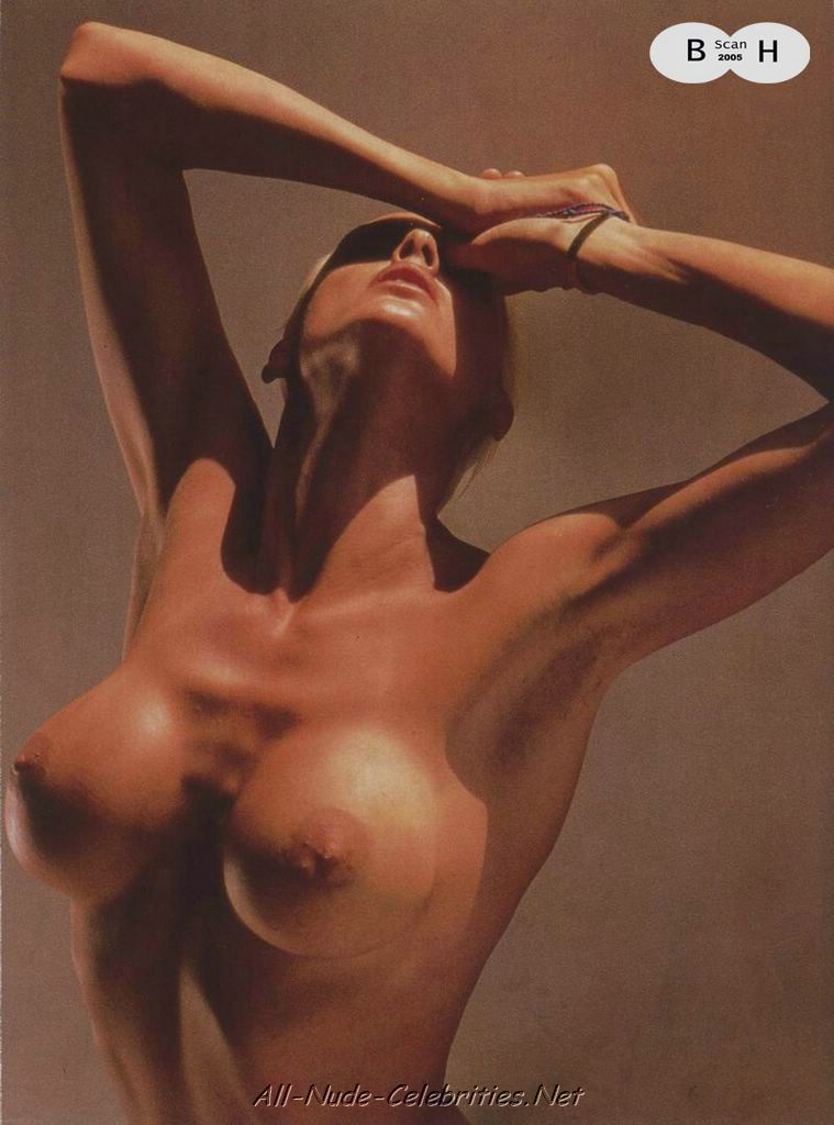 Фото голая бриджит нильсен