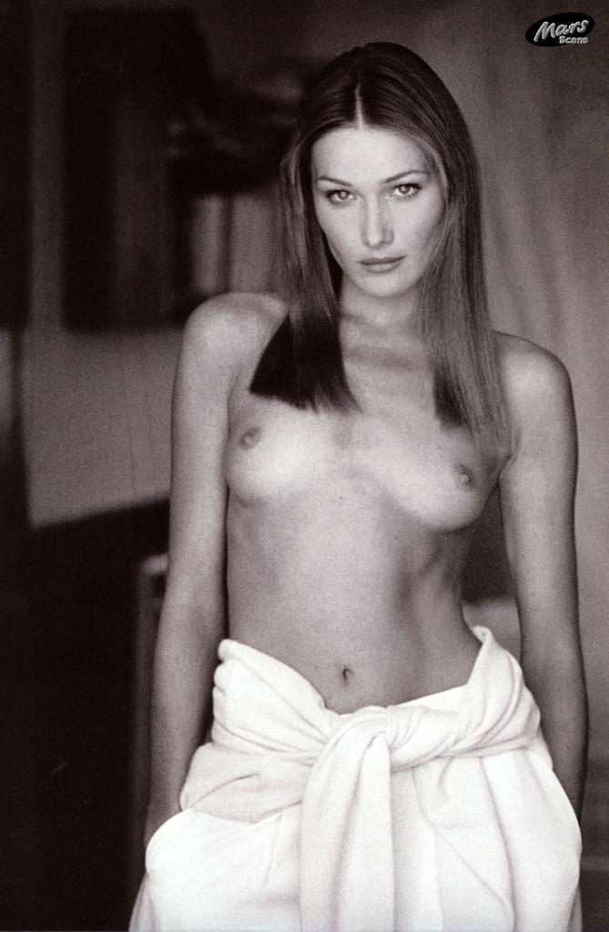 Карла бруни фото голая