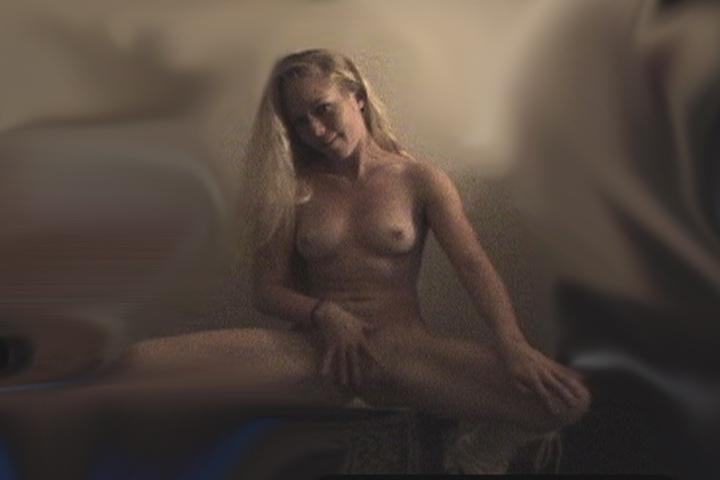 Kendra Wilkinson Leaked Nude