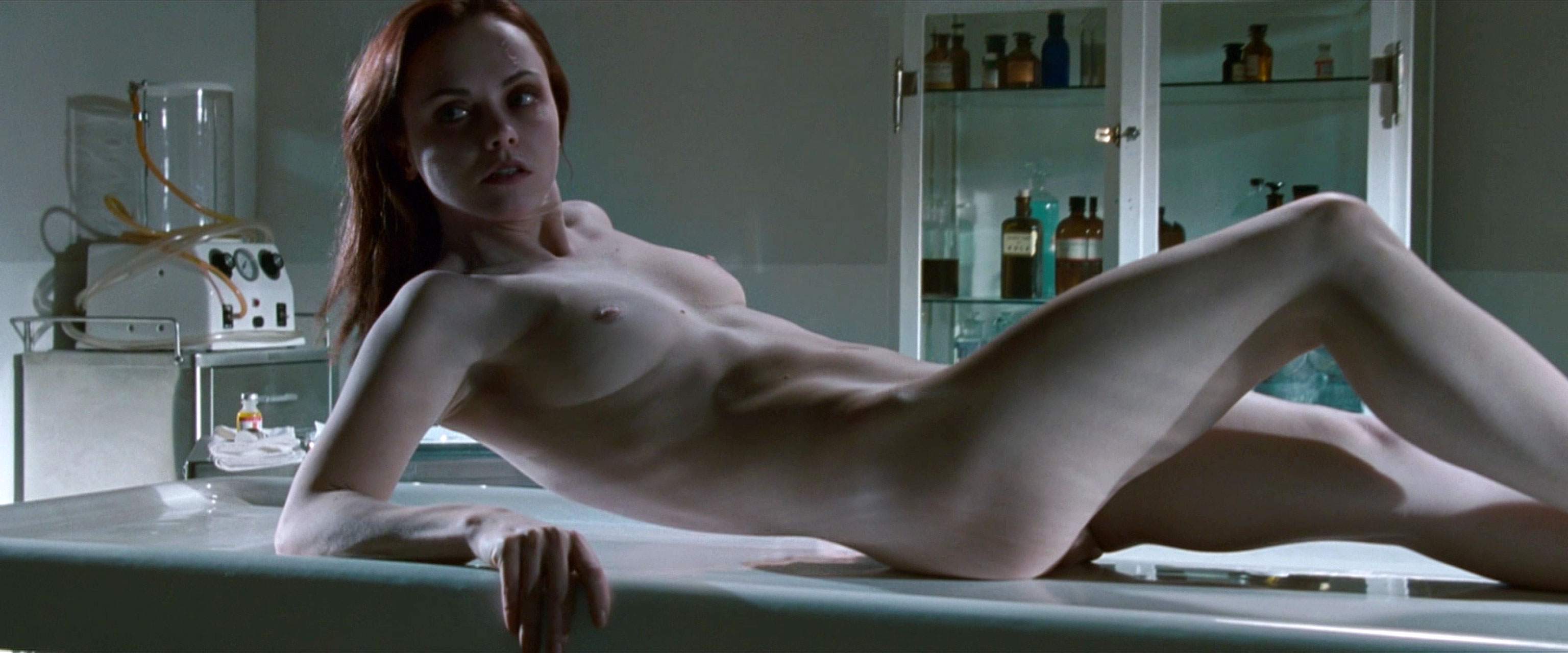 Cristina Ricci Nude 13