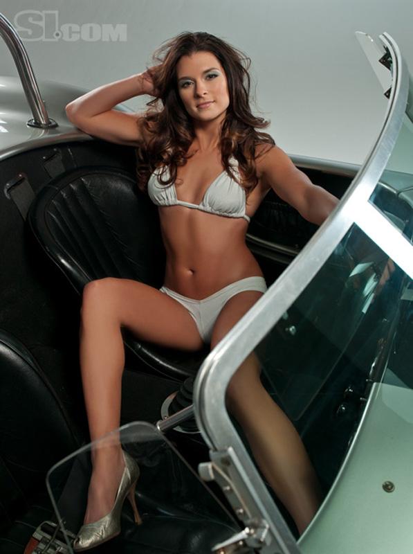 Danica striptease