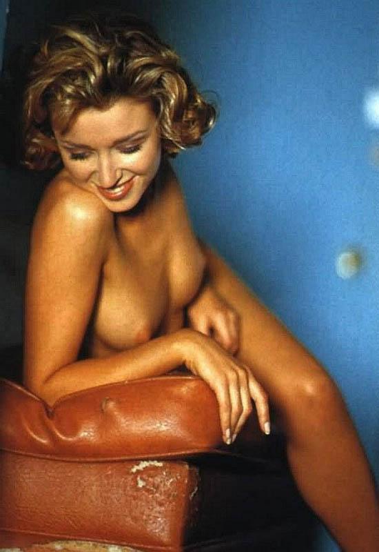 Dannii Minogue | Viewing picture Dannii_Minogue13.jpg: www.leakedcelebs.com/dannii-minogue/wiping-off-her-wet-bikini-body...