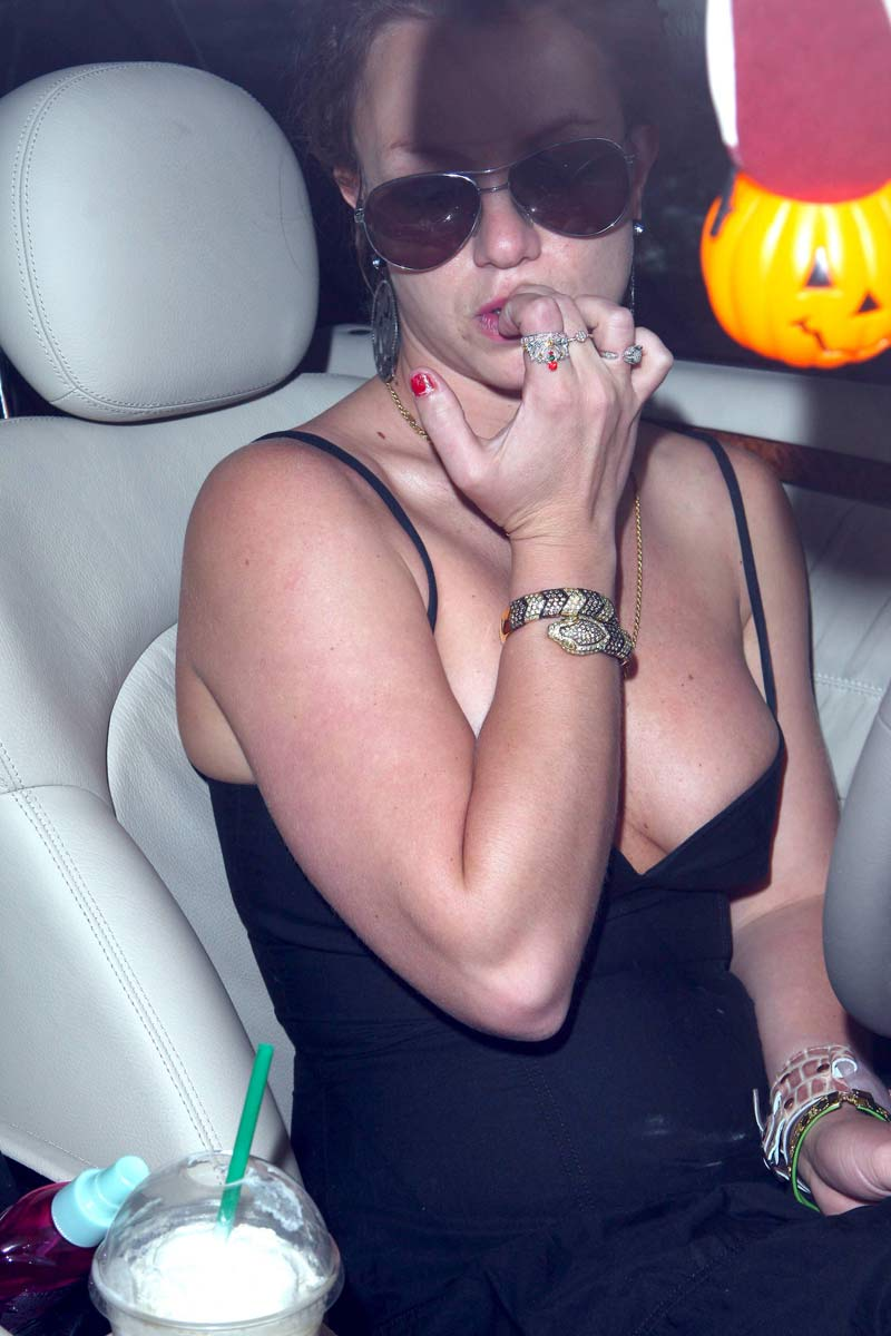 Celebrity Cleavage 41 pics -