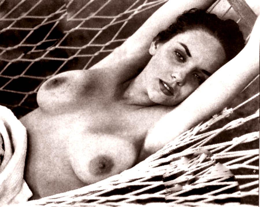 Helen mirren in red bikini