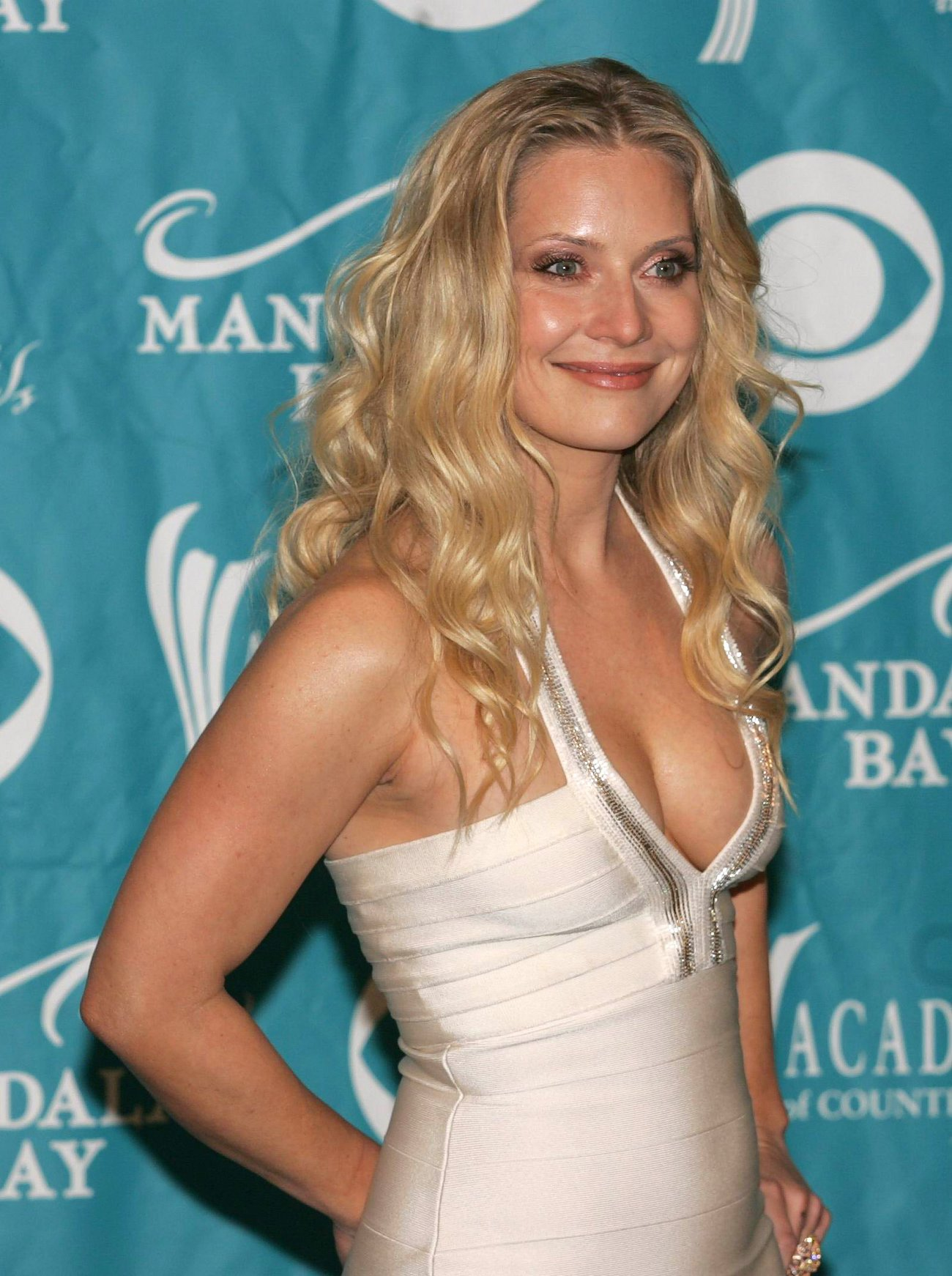 Emily Procter | Viewing picture ikke-navngivet.jpg