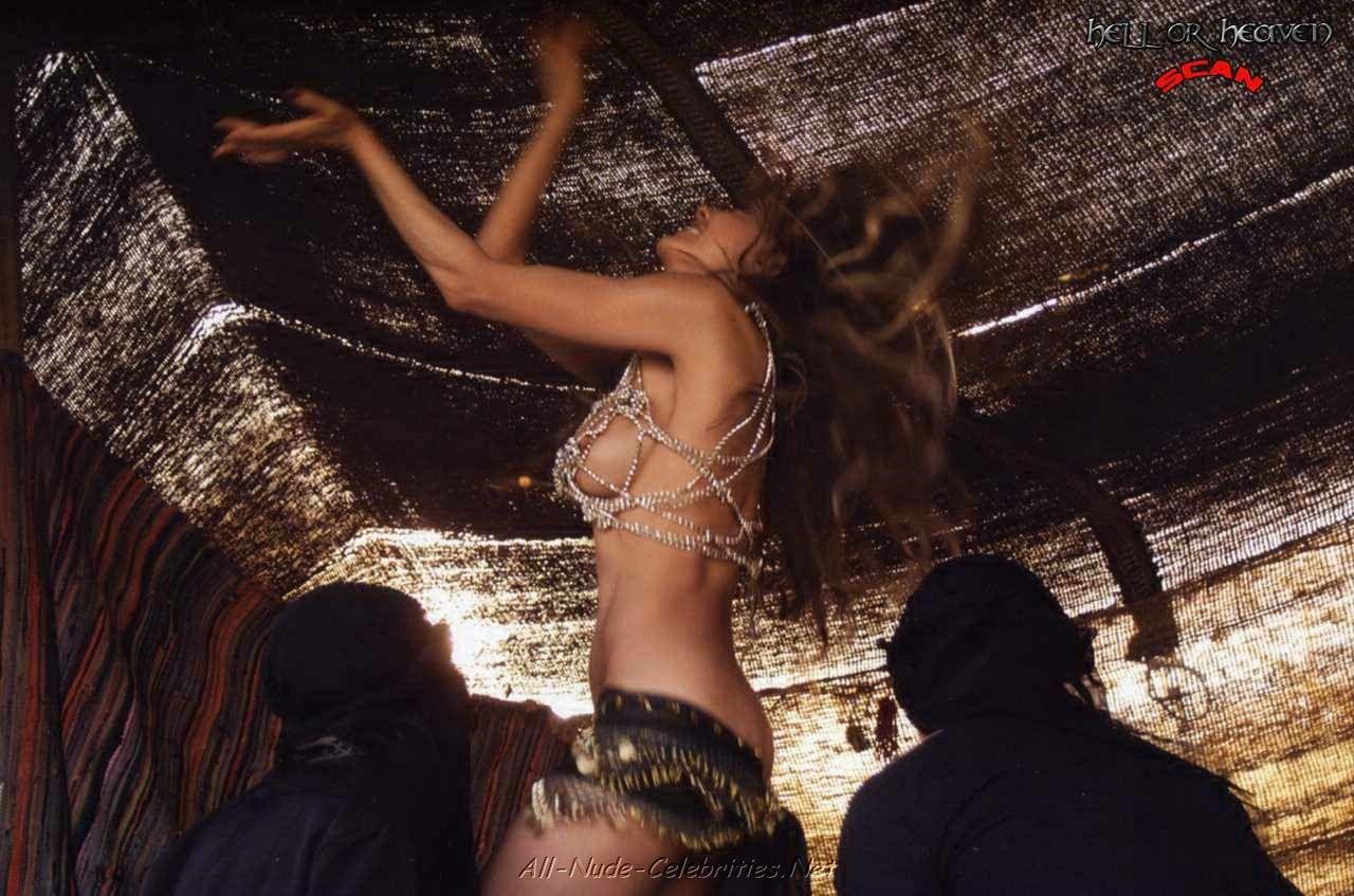 Эротика первая брачная ночь у арабов смотреть онлайн 14 фотография