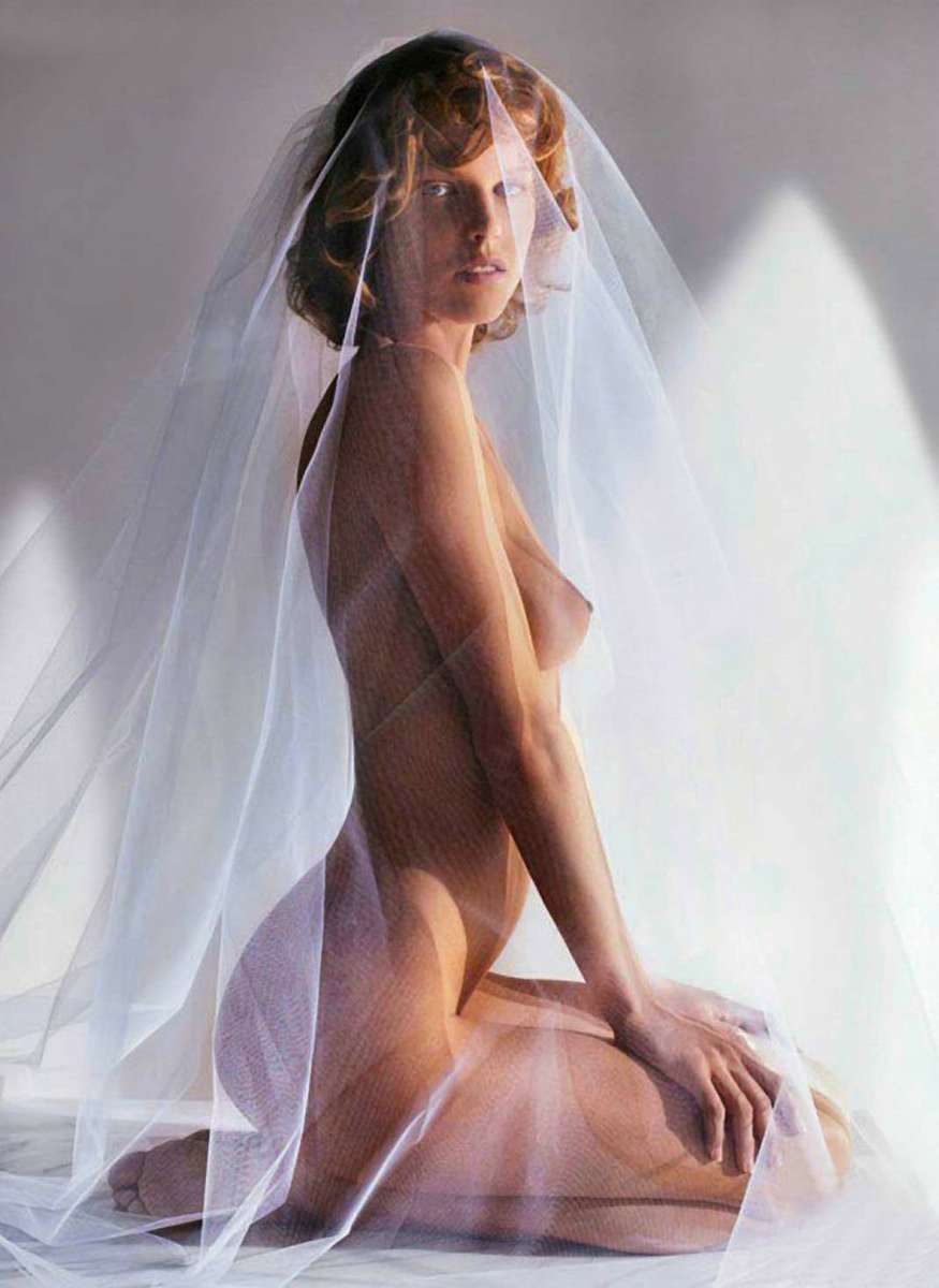 Nude and looking at her ipad - 4 4