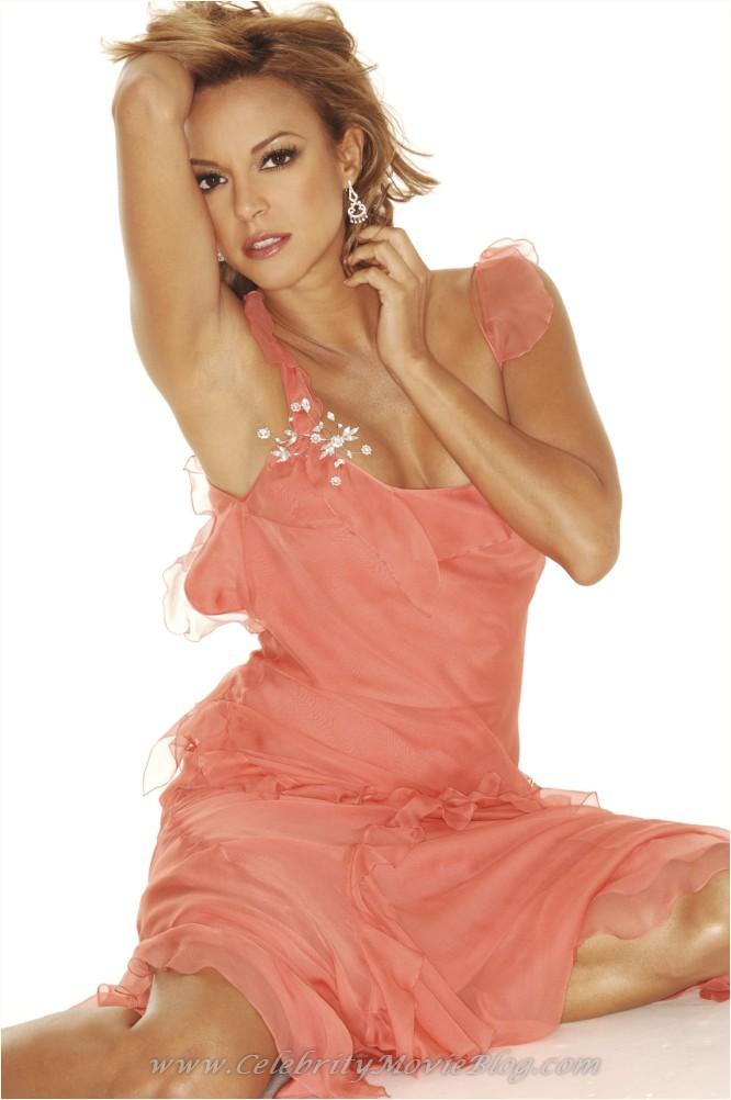 Eva LaRue naked pics - Celebrity Thumbs -