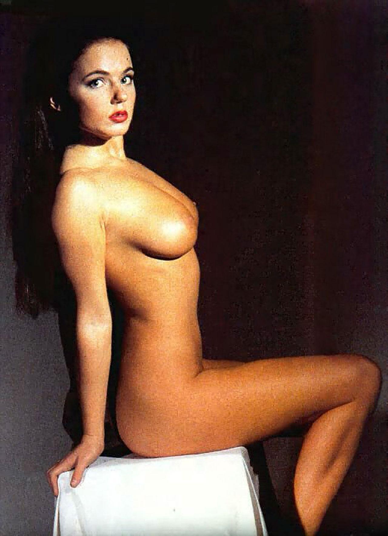 Эротические фото зарубежных актрис 25 фотография