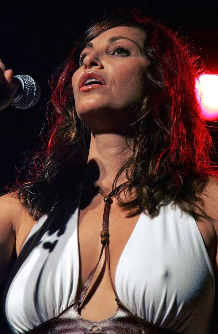 Gina Gershon | Viewing picture gina_gershon_35.jpg