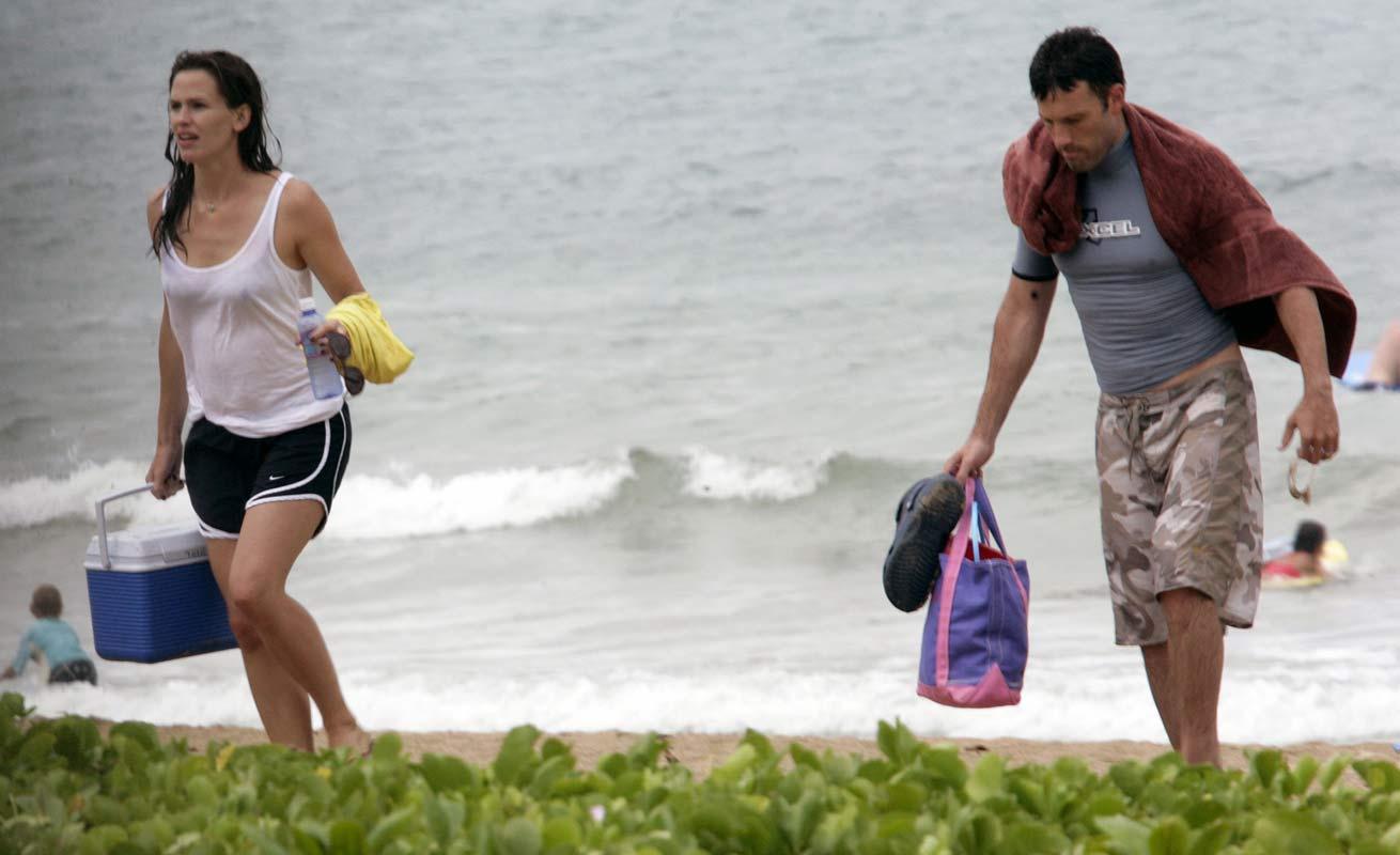 Jennifer Garner | Viewing picture jennifer_garner_16.jpg: www.leakedcelebs.com/jennifer-garner/-going-on-celeb-going-surfing...