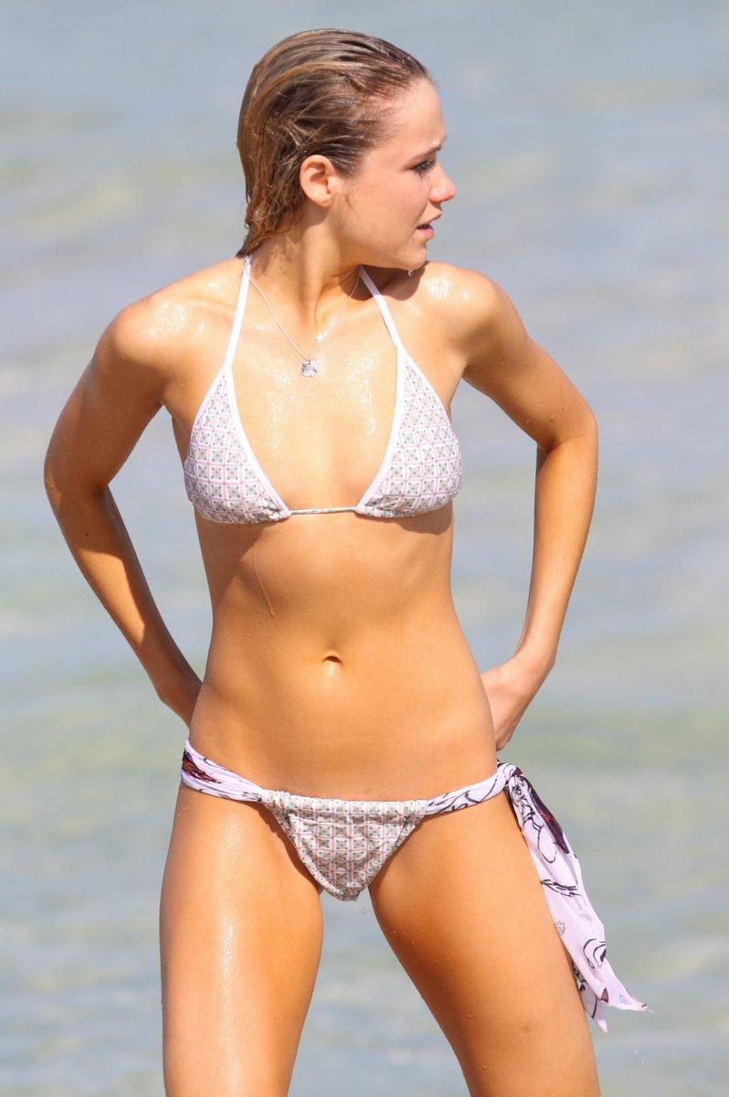 Katrina Bowden | Viewing picture 13.jpg: www.leakedcelebs.com/katrina-bowden/lovable-downblouse-caps-plus...