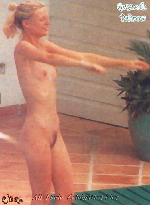 gwen paltrow topless