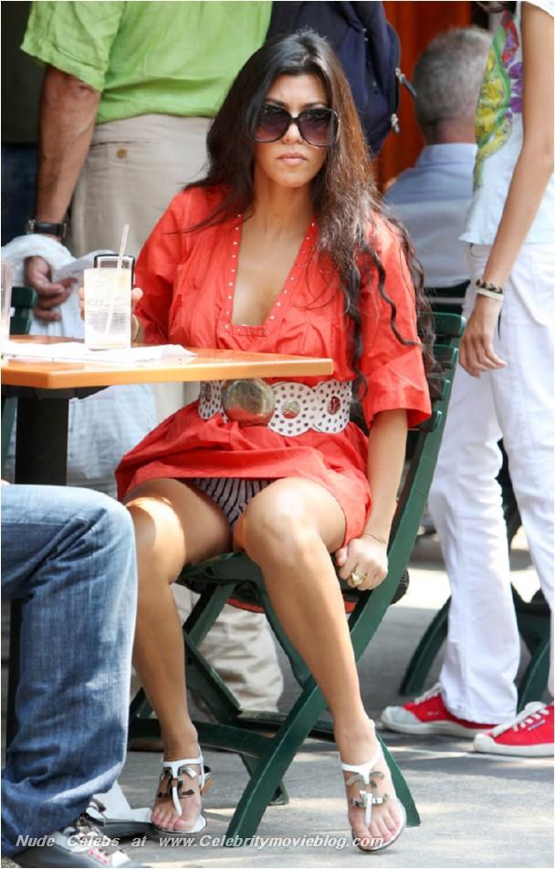 Kourtney Kardashian | Viewing picture kourtney-kardashian_13.jpg