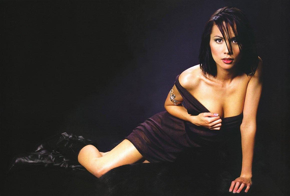 Lexa Doig | Viewing picture lexa_doig_14.jpg: www.leakedcelebs.com/lexa-doig/nude-while-straddling-a-very-lucky...