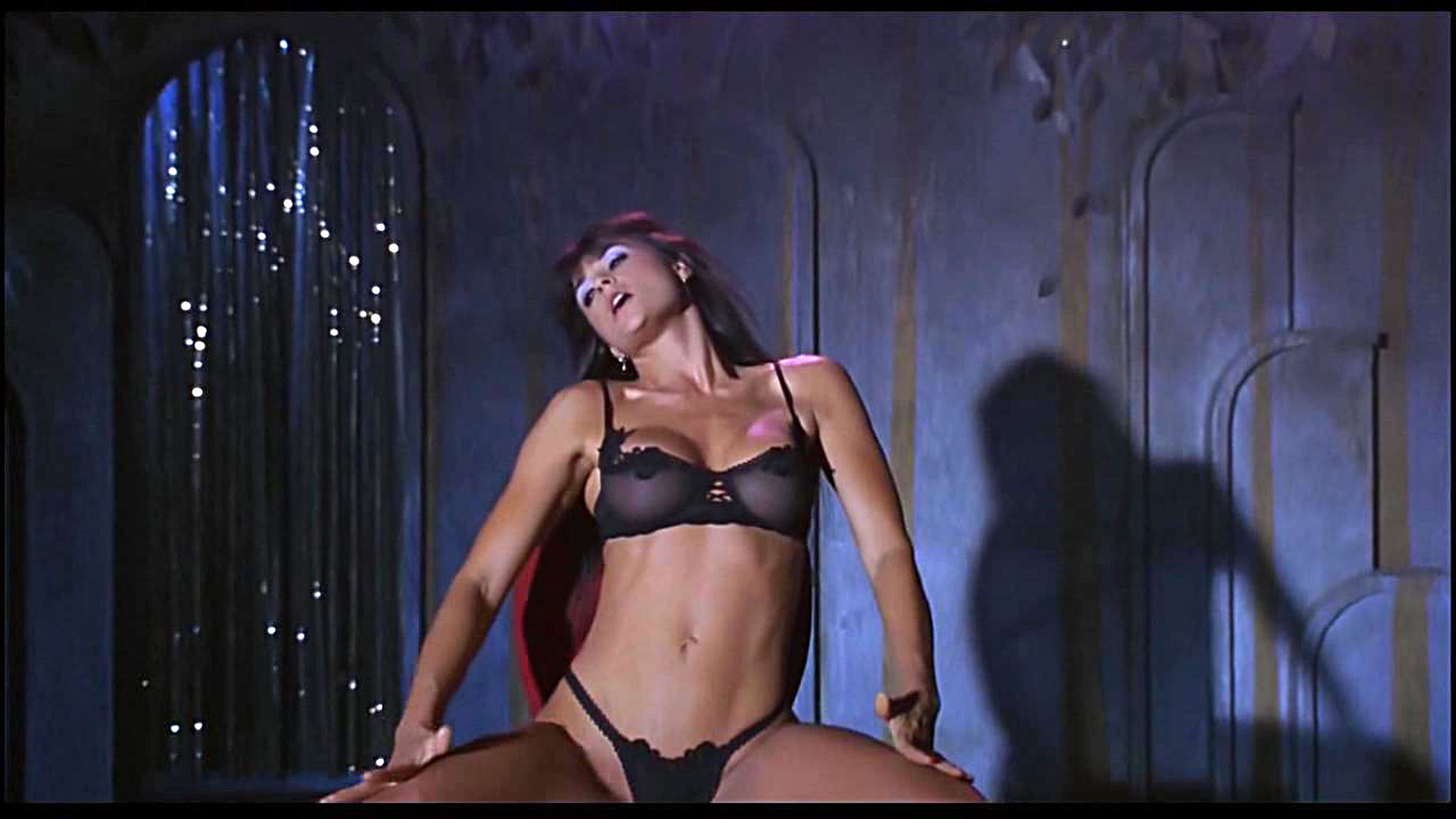 Стрептизёрша танцует стрептиз 8 фотография