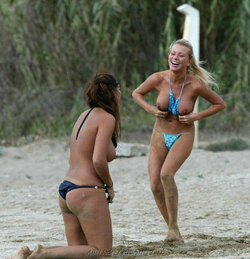 Girl Loses Bikini Top